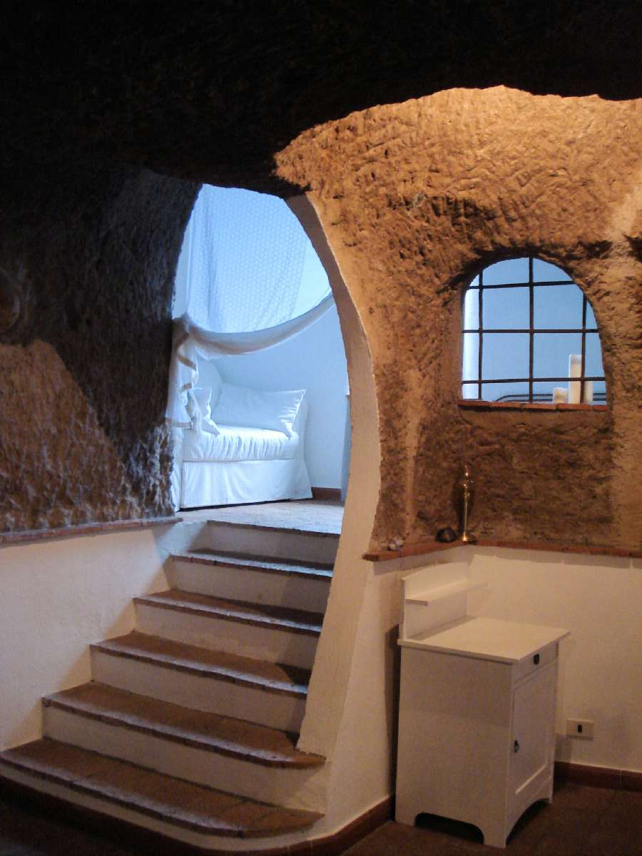 Steps up to the alcove