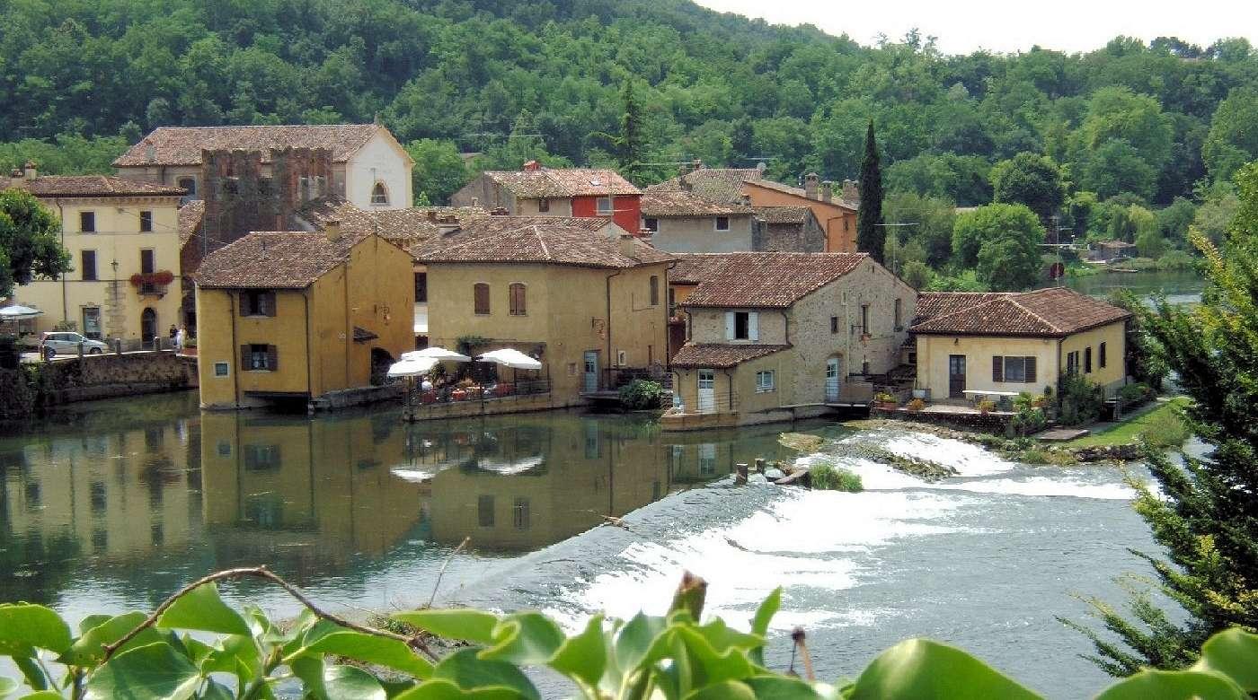 Den lilla landsbyn Il Borghetto