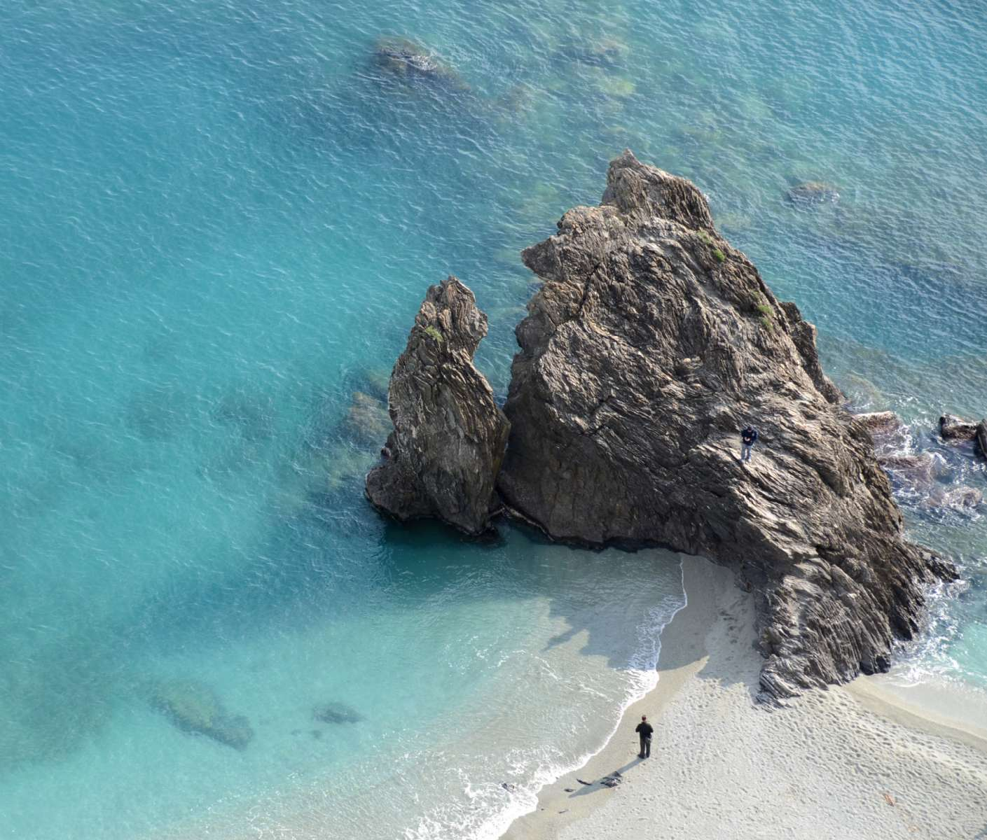 The characteristic rock on the beach in Monterosso