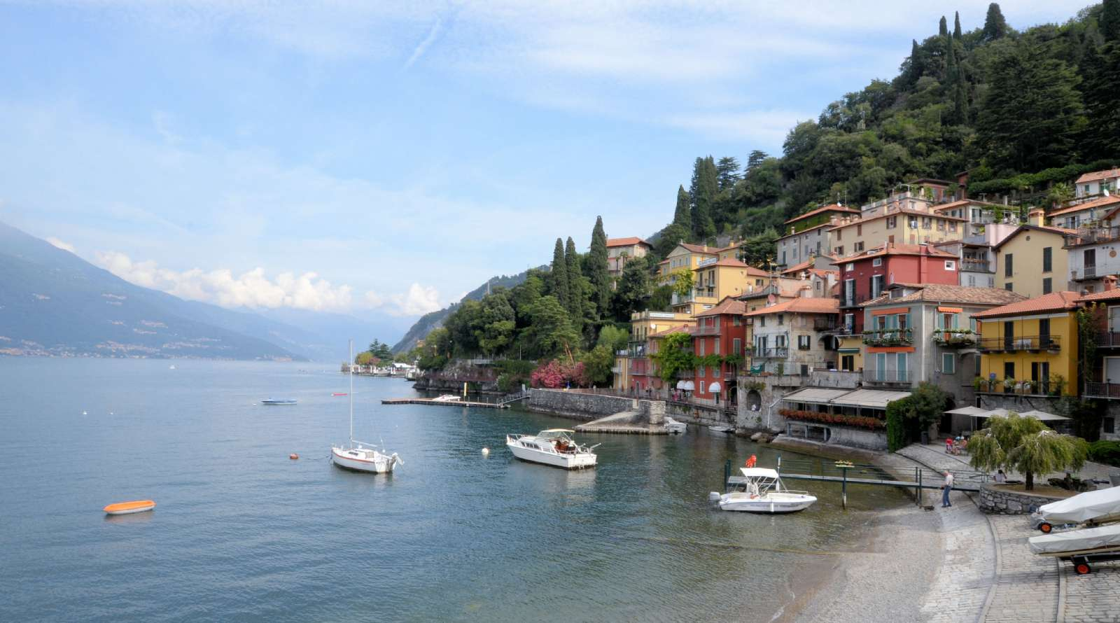 Varenna er en af Comosøens mest charmerende byer