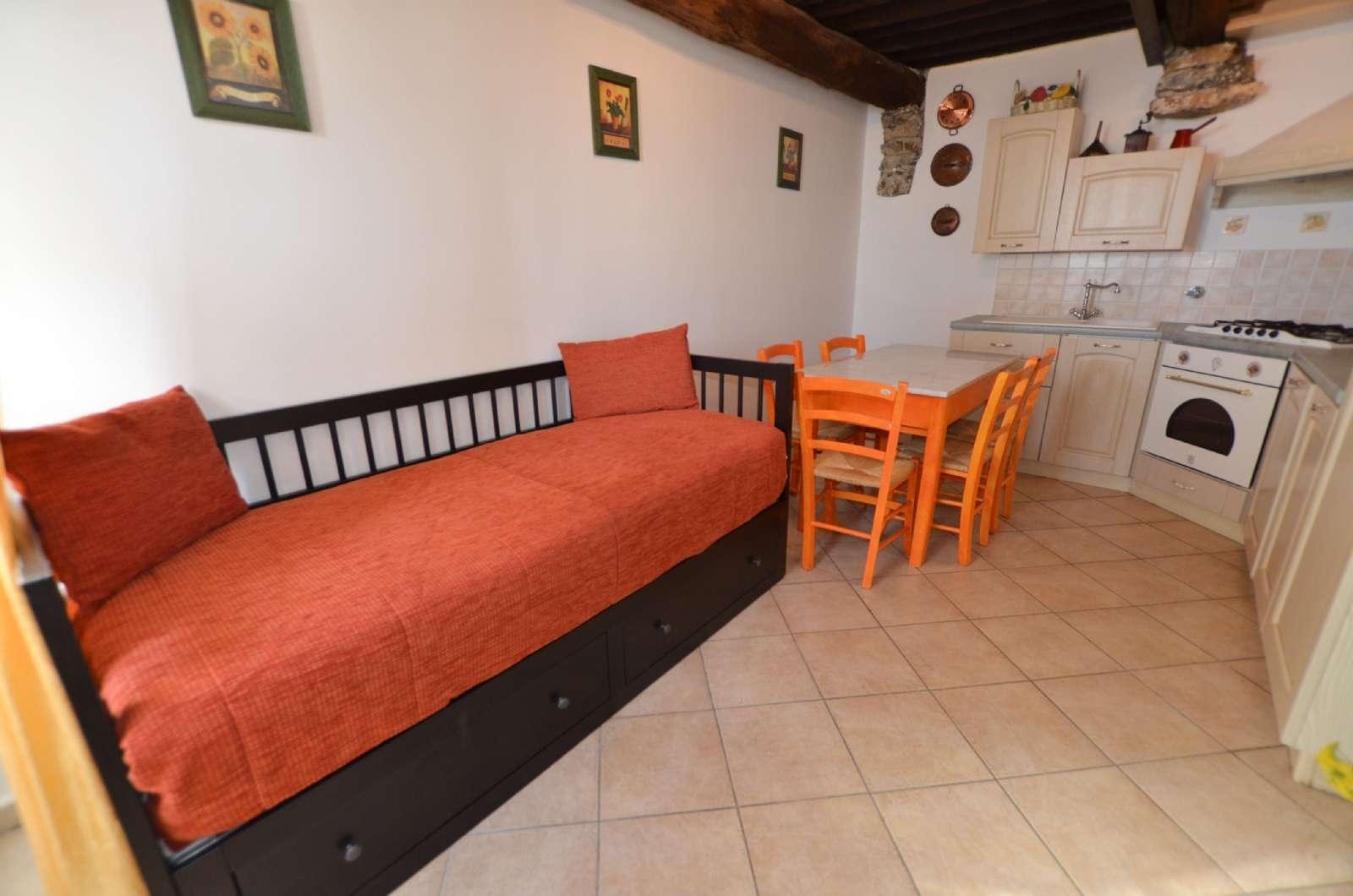 Lägenhet Strelizia