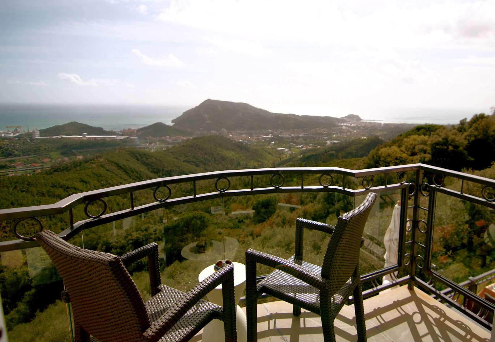 Sciambra's balcony