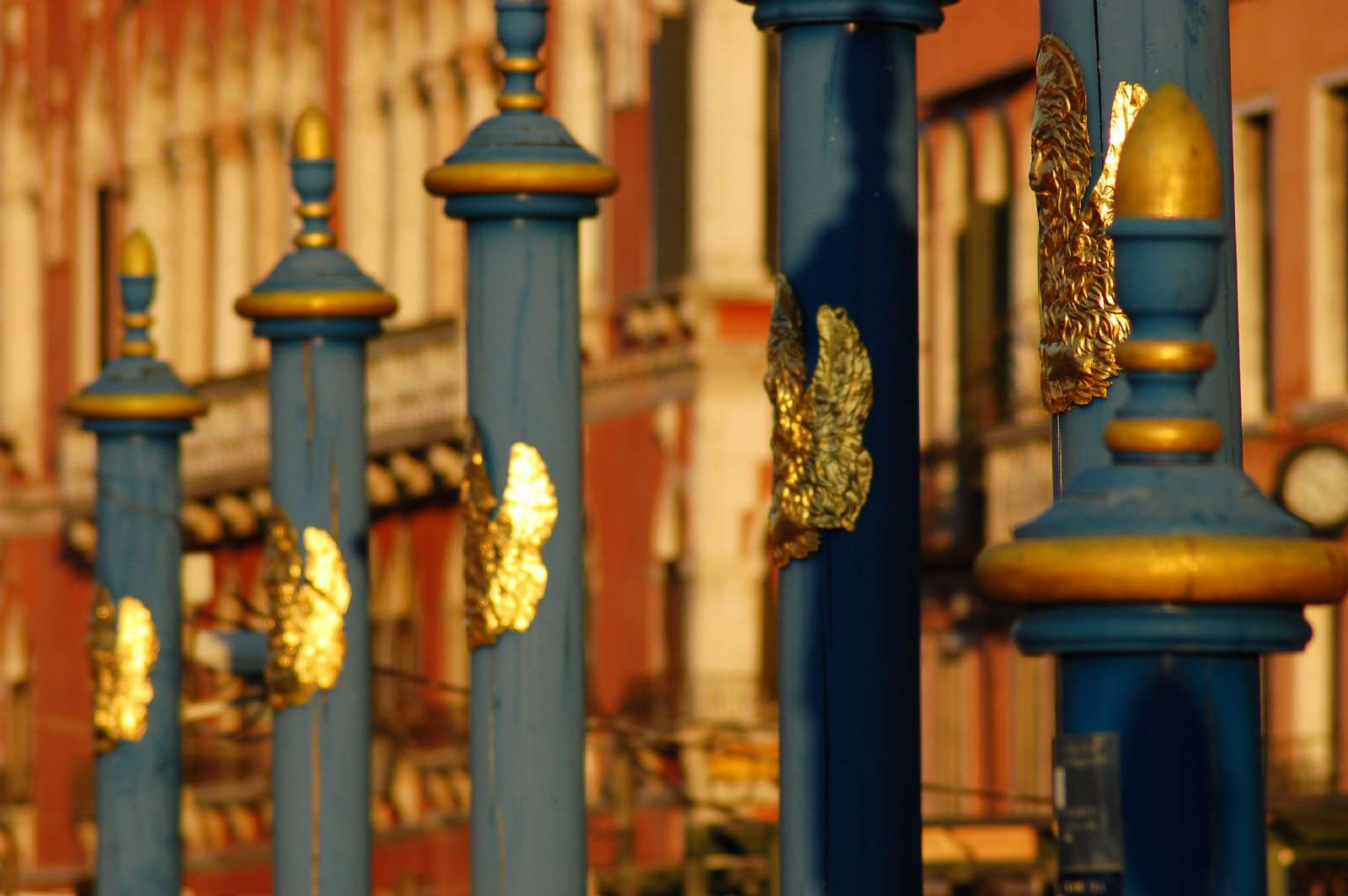 Hållplats för gondoler i Venedig
