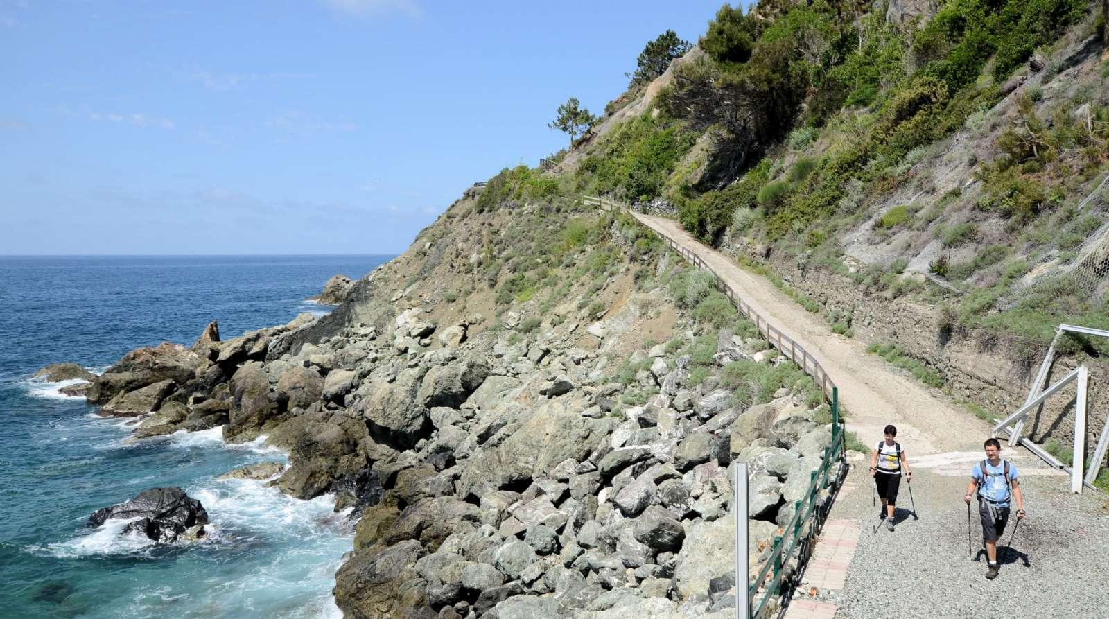 Vandringsleden till grannstaden Bonassola
