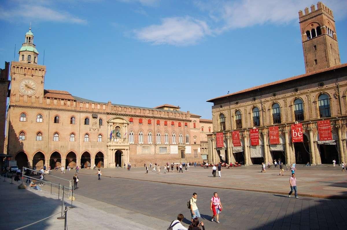 Det centrala torget i Bologna