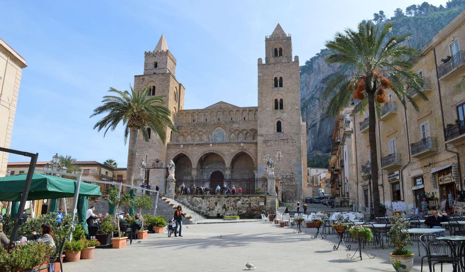 Domkyrkan mitt i Cefalù