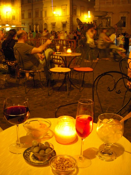 Drinks på Piazza Santa Maria in Trastevere